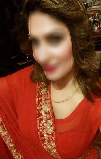Rimpi Delhi Housewife Escorts